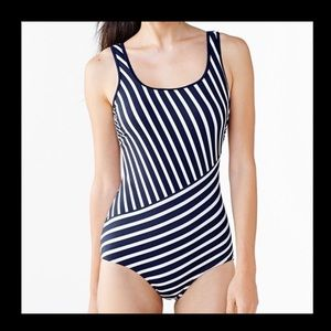 lands end striped one piece swimsuit 16D